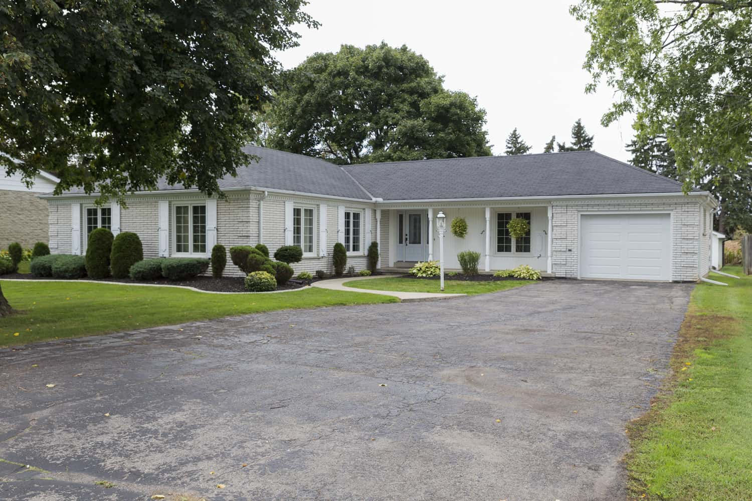 Ranch Style Home With Garage : Immaculate bedroom full bath ranch style home with